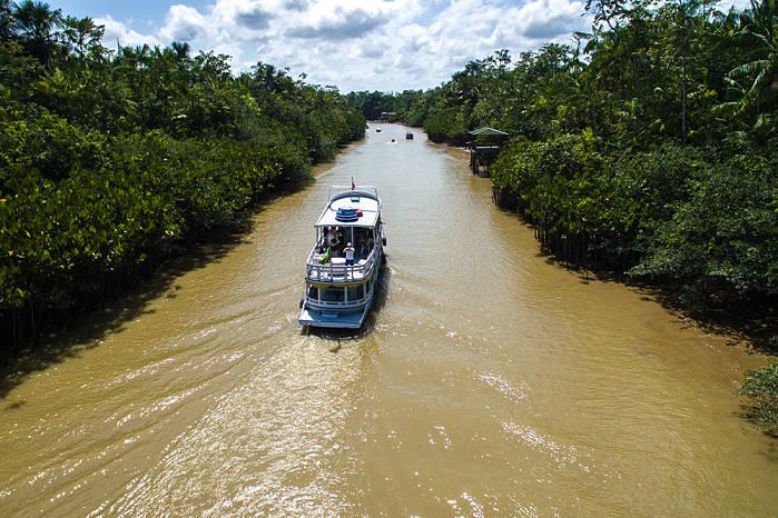 Rutas viajeras, en barco por el Amazonas