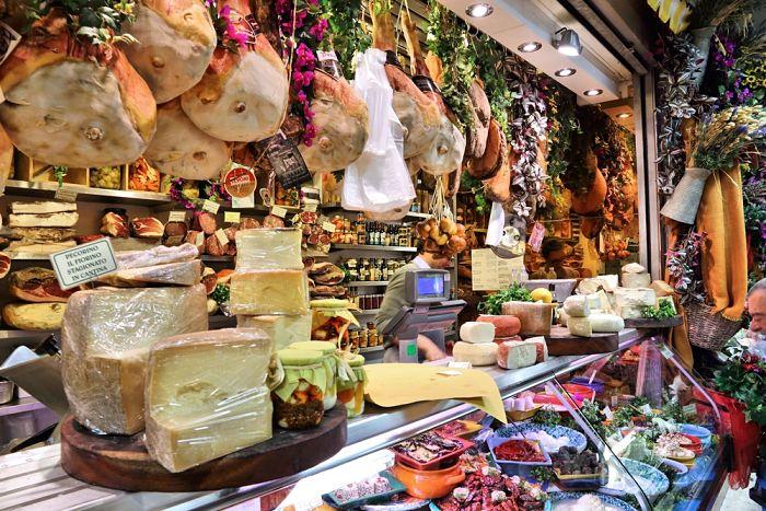 tienda de embutidos y quesos italianos