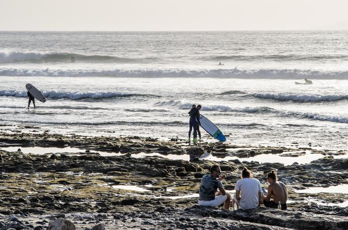 Playa para hacer surf en Tarifa, Las Américas