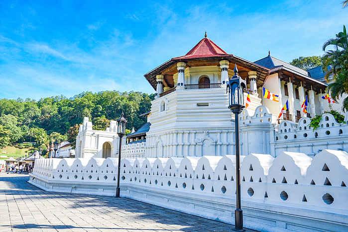 Viajar solo a Kandy