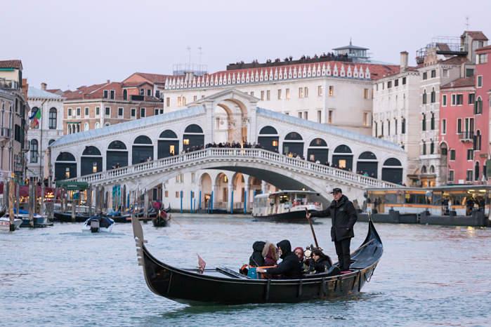 Puente Rialto, que ver en venecia en un dia