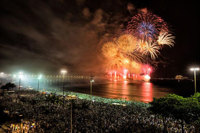 fuegos artificiales en la fiesta de año nuevo