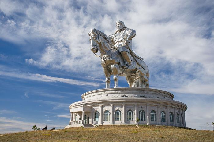 estatua ecuestre genghis khan