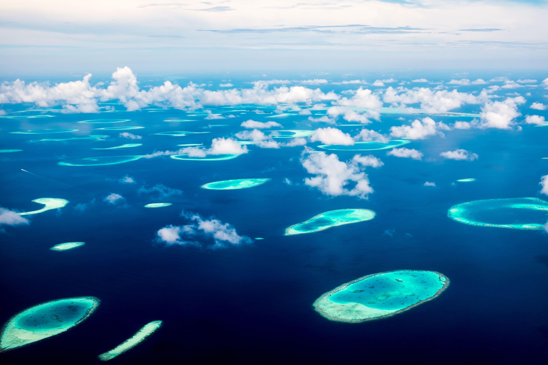 ver atolones en maldivas
